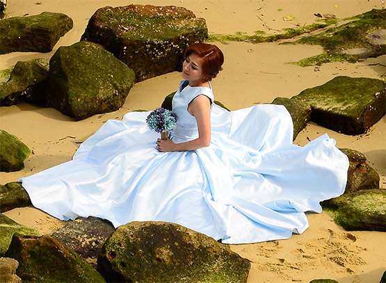 A close-up of the bride at Bradleys Head, Sydney